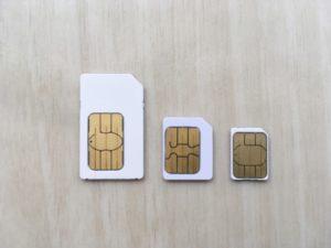 SIMカード各サイズの写真。